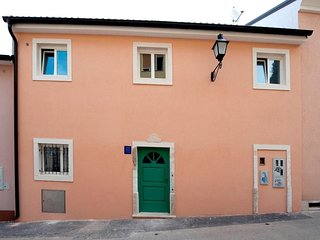 Rovinj Apartment Sleeps 5 with Air Con - 5820502