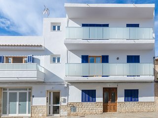 Yourhouse Port - a few steps from the beach in Puerto de Alcudia for 6 guests