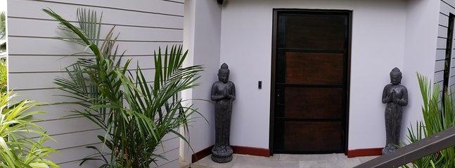 Monkitail Retreat @ Tulemar - entrada