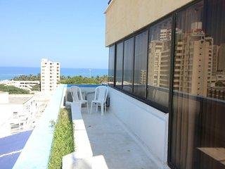 Alquilo apartamento con piscina cerca al mar