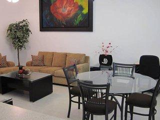 +MS +Suite Comfort Ideal +Alberca +Av. Bernardo Quintana