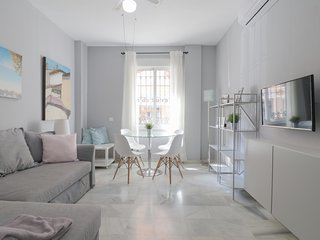 Bright and Quiet Apartment by Town (C95)
