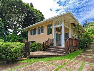 Uluhale - House of the Breadfruit Tree