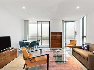Superb 11th-Floor Apt with Winter Garden Balcony