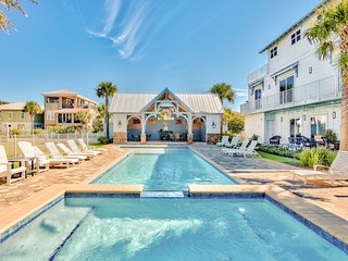 Luxury home w/ shared pool, hot tub & gas grill - short walk to the beach!