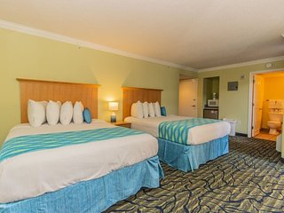 Ocean View Suite with Pools, Lazy Rivers and More!~Paradise 311