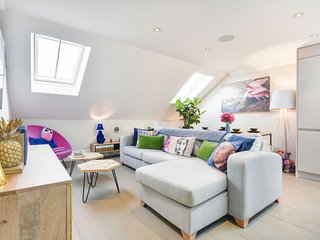 Stylish Family Home close to Ealing Common
