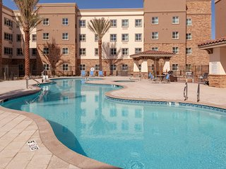 Outdoor Pool and Hot Tub + 24-Hour Business Center | Modern Studio in Phoenix