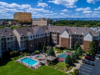 Queen Cherry Creek Suite | Outdoor Pool, Shared Hot Tub + Gym Access
