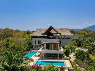 Sma001-Luxurious 5 suite ocean view villa
