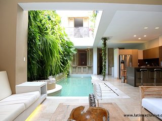Car006-Beautiful luxury house in the Historical Center of Cartagena