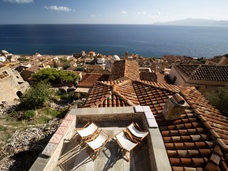 Victoria's House in Monemvasia Castle by JJ Hospitality