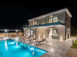 Brand New: Kefalonia Stone Villas - Villa Petros Kefalonica