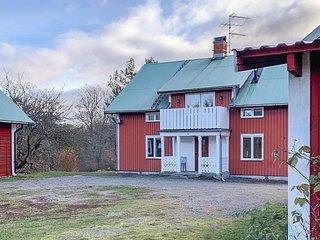Beautiful home in Valdemarsvik w/ WiFi and 3 Bedrooms (S60053)