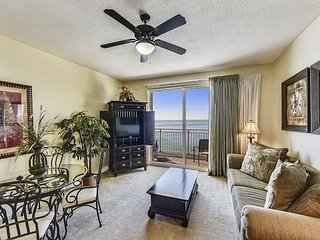 Book this SANITARY condo and walk to Shipwreck Island today!!