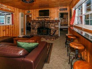 Village Retreat Adorable Downtown Single Level Cottage / Hot Tub / Views