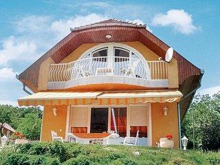 Nice home in Balatongyörök w/ 3 Bedrooms (UBN253)