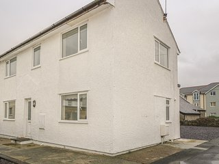 TYN Y PANT, upside down, luxury, WiFi, Rhosneigr, Ref 934981