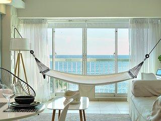 Ocean View Modern Apartment