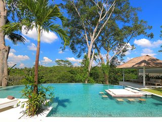SPECIAL PROMO -40%, Secluded Jungle Villa, 4 BR, Ubud w/ staff
