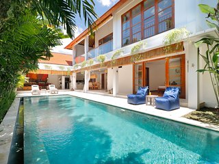 Fabulous Private Villa, 3 BR, Canggu w/ staff