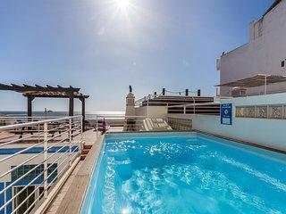 BEIRA-MAR Refurbished beachfront house, Pool, AC, WiFi, sea views