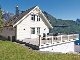 Awesome home in Saebo w/ Sauna and 4 Bedrooms