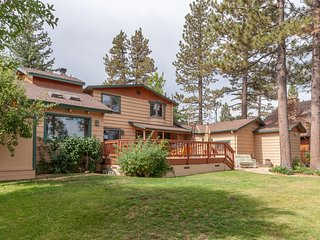 Quintessential Big Bear Cabin - Everything You Want to Escape to the Mountains