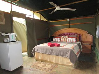 Amanzimlotzi Riverside Bush Camp