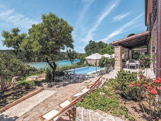 Een droom van een vakantiehuis in de heuvels (CKR330)