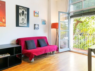 Lovely 2BDR/2Bath Apt, Sleeps 6 w/Balcony in Born