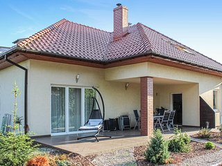 Amazing home in Kobylanka w/ WiFi and 3 Bedrooms (PPO307)