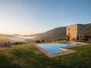 Palazzo Guglielmi Villa Sleeps 8 with Pool Air Con and WiFi - 5763162