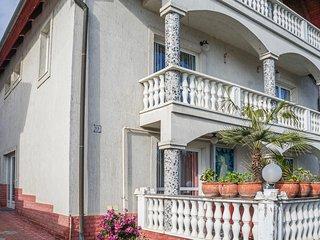 Beautiful apartment in Héviz w/ WiFi (UBN097)
