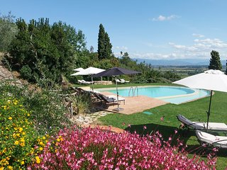 Dogana di Tiglio Villa Sleeps 12 with Pool and Air Con - 5801721