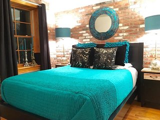 Exposed Brick NY style East Village 2 Bedroom 2 Bath
