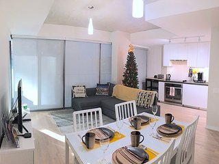 Luxury 2 BR 3 Bed Central Condo, Christmas Market, Free Parking