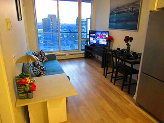 Trendy Condo In ❤️of Dt,saddledome,bmo,gym,c-train