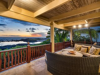 Beachfront Home w/Pool, Spa, & A/C! Enjoy the amazing sunset views and fun tide