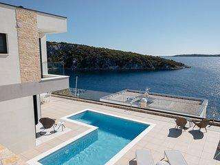 Villa Sunrise with Heated Pool