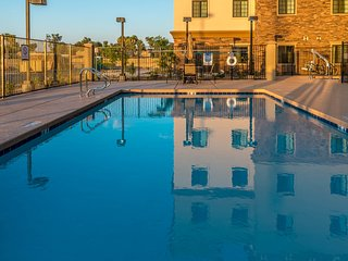 Heated Outdoor Pool + Hot Tub + Fitness Center Access | Amazing Central Location