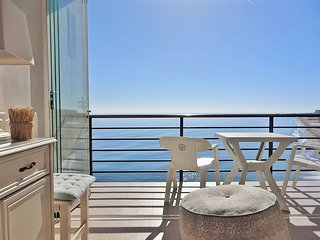 WATERFRONTMALAGA, S1-Wifi,Garage,Pool,Garden,Air-Con,Parking,3DTV-SAT 32,