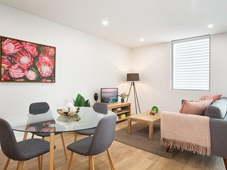 Chic and Modern Apartment in the Heart of Burwood