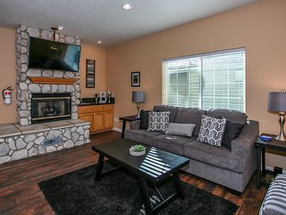 Vacation Elevation Ultra Relaxing 3BR Modern Chalet / Essentials Included