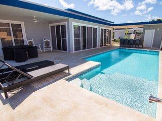 CASA COCO-LUJO Luxury 2 Bed / 3 Bathroom at Residential Casa Linda