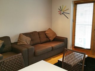 Cosy 2 bed apt. Great price. Close to Historic Quarter & Said Business School.