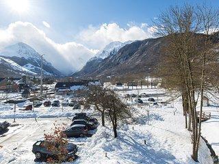 Endroit Superb! Appart Duplex avec Kitchenette Equipée Près à 2 Stations de Ski
