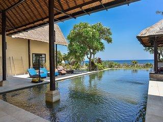 Villa Geluk, Beachfront Villa