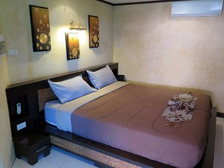 R2: Royal suite 1 bedroom and salon in Pattaya Center