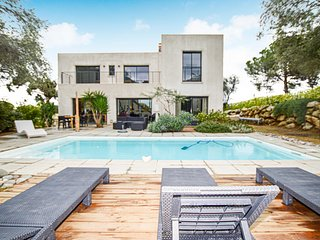 Stunning home in Calvi w/ Outdoor swimming pool and 4 Bedrooms